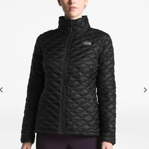 Women's thermoball  jacket.